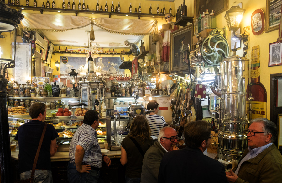 local hangouts for tapas and beer in madrid