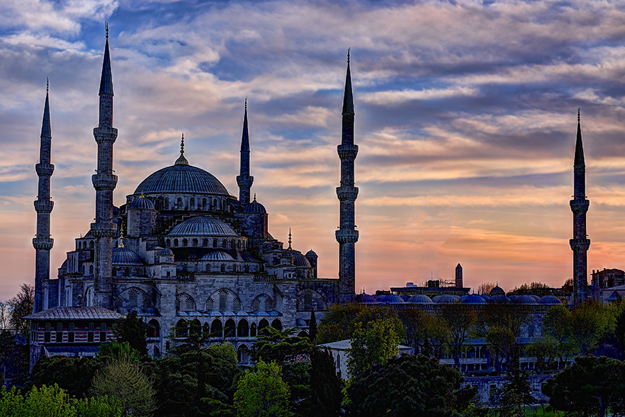 Blue Mosque at Sunset- best house sitting gigs