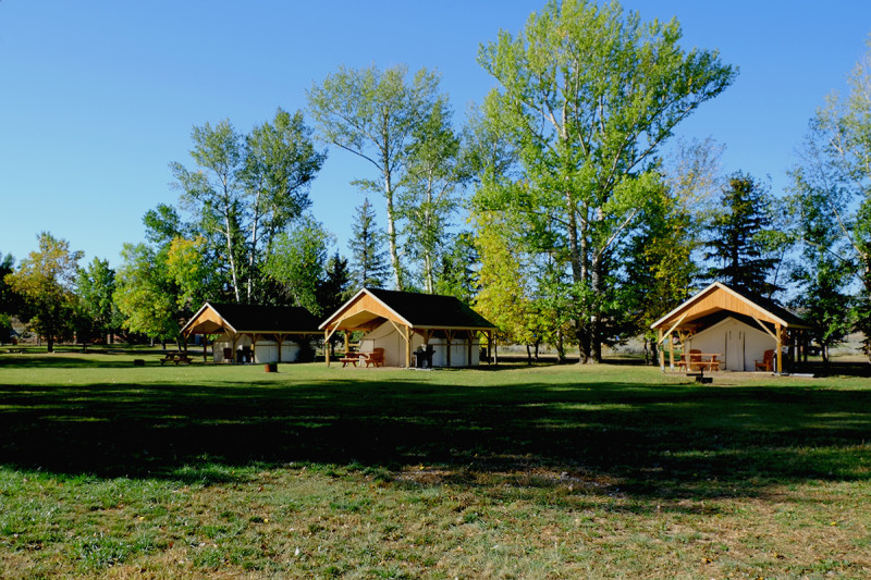 Camping in Dinosaur Provincial Park Alberta