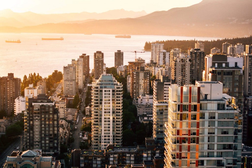 Vancouver family friendly hotels near the West End