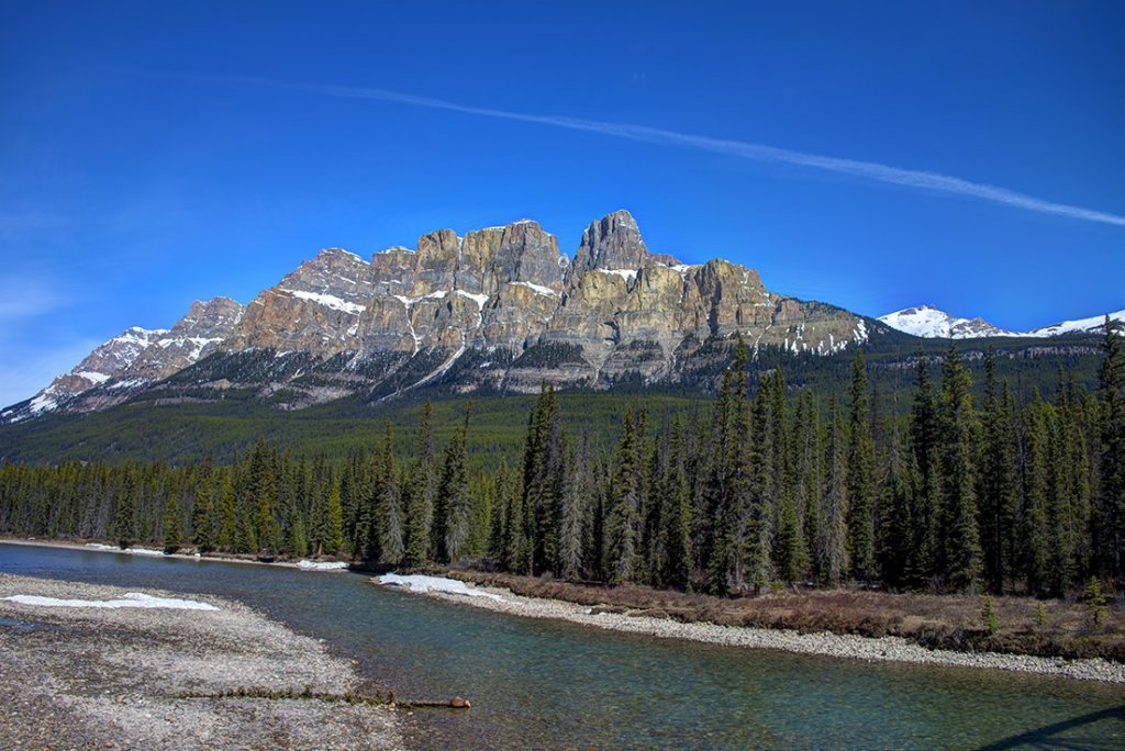Castle Mountain- alberta family getaways