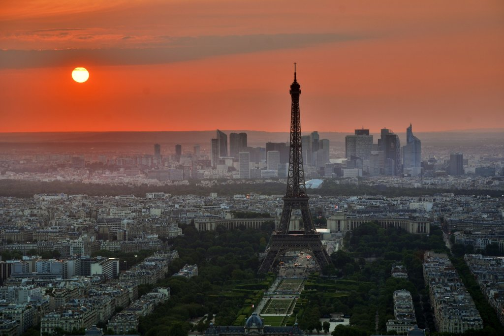 how to try being an expat- Paris cityscape