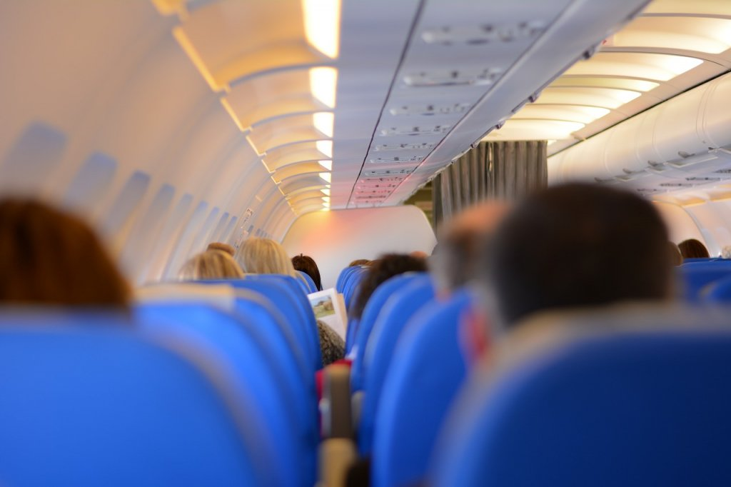 Cheap ways to travel booking flights without rewards points